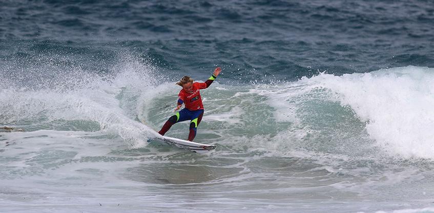 codie-jeffery-surfing-smoothstar-1
