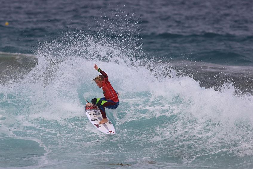 codie-jeffery-surfing-smoothstar